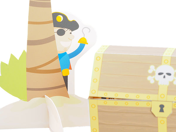 Pirate theme favor box with treasure island scene